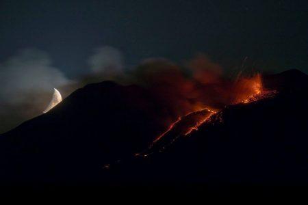 La foto sull'eruzione dell'Etna pubblicata dal National Geographic