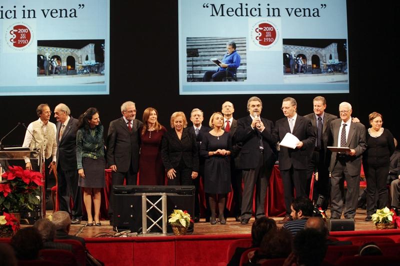 Nella foto i Medici in vena che sosterranno la nave ospedale Elpis con lo spettacolo Non solo Ippocrate