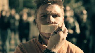 """Ismaele La Vardera nel video """"Il silenzio è dolo"""""""