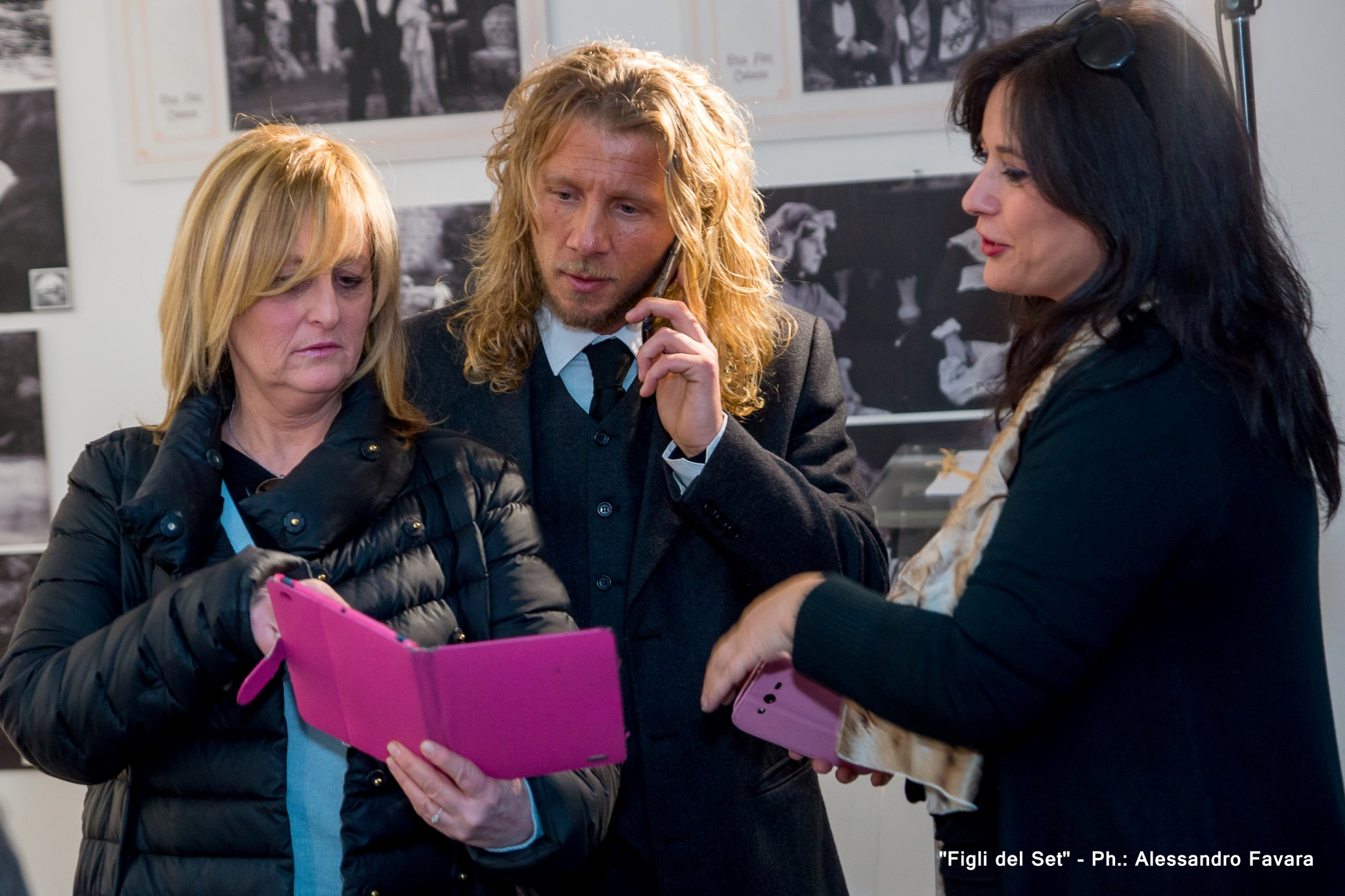 Nella foto Carlotta Bolognini e al centro il regista del film Figli del set, Alfredo Lo Piero