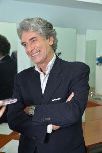 """L'attore Gianfranco Jannuzzo nel backstage di """"Insieme"""". Foto Vincenzo Musumeci"""