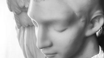 Michelangelo Galliani Principio e destino 2015 marmo statuario di Carrara piombo e ottone.