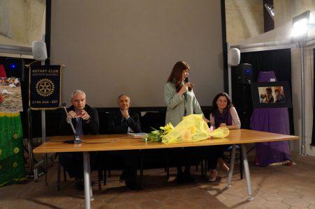 Un momento della presentazione della mostra di Maria Rossella Maugeri