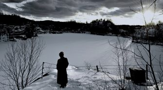 the stone river - poster-mese-del-documentario