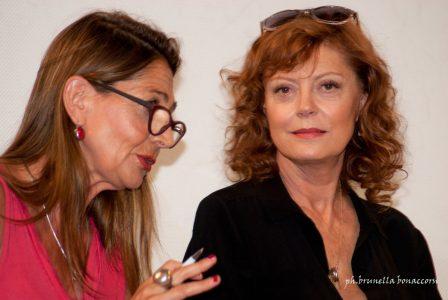 Susan Sarandon e la sua traduttrice. Foto Brunella Bonaccorsi