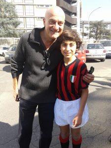 Matteo Montalto e Claudio Bisio nel film Confusi e felici