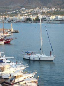 Creta, la città di Hersonissos. Il porticciolo. Foto Brunella Bonaccorsi