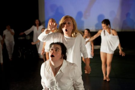 La compagnia teatrale Nèon con lo spettacolo Ciatu