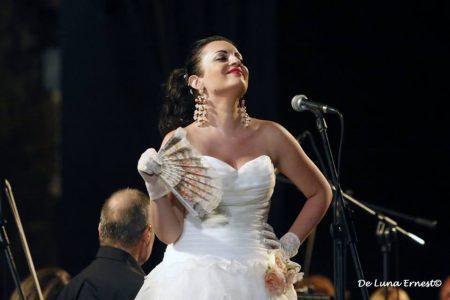 La mezzo soprano Sabrina Messina