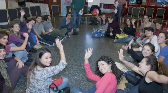 Giovani volontari europei durante la prima giornata di workshop PHOTO ARGENTYCA