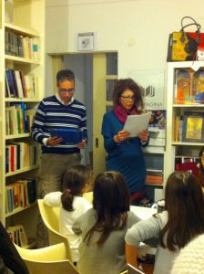 Ciro Carbonaro e Mariagrazia Gennaro leggono alcune favole del libro di Rosalia Messina