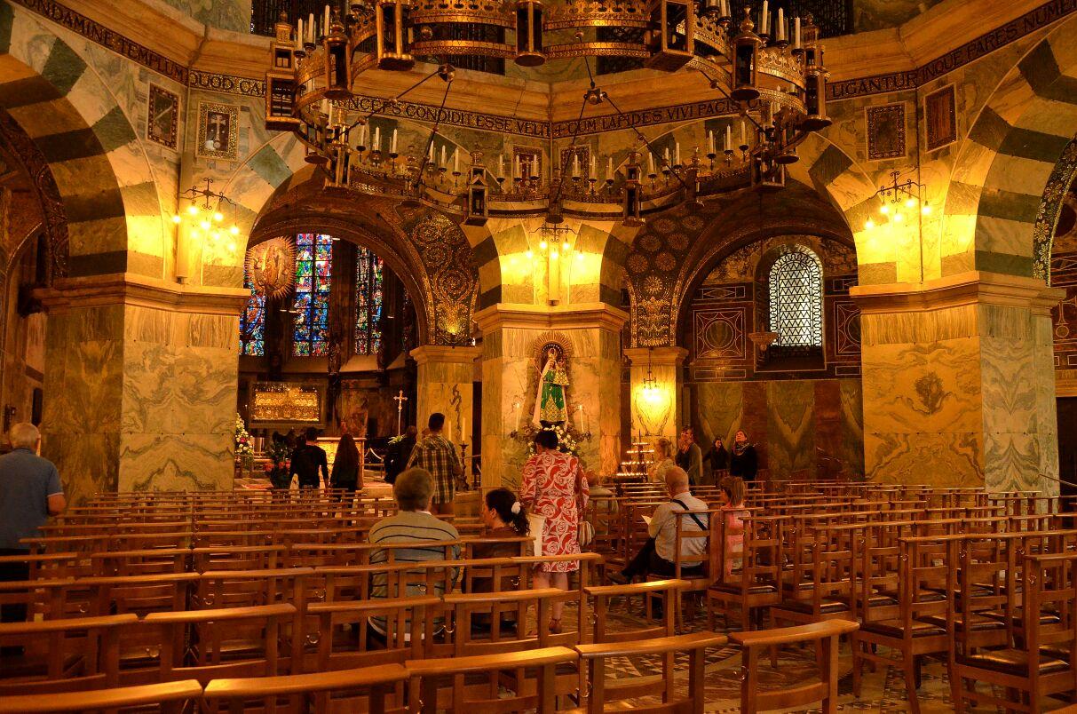 Germania ovest, Aquisgrana. L'interno della cattedrale. Foto Gianni Bellina