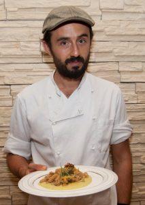 Lo chef Francesco Zappalà ha ideato e realizzato per Sicilia&Donna la pasta integrale con cavolfiore e noci. Foto B. Bonaccorsi