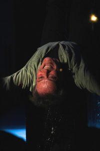 Nella foto Giovanni Carta in teatro