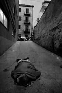 E' stato ucciso mentre andava in garage a prendere la macchina Palermo, 1976 Courtesy Letizia Battaglia