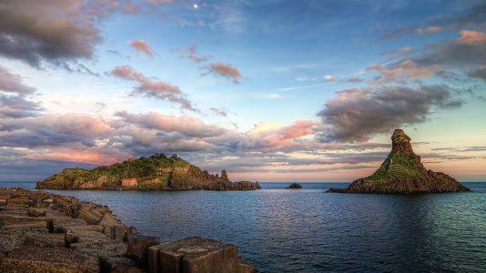 Isola Lachea e Faraglioni di Acitrezza