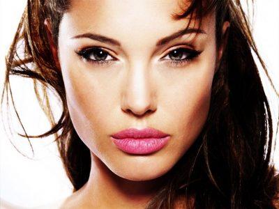 effetto countouring su Angelina Jolie