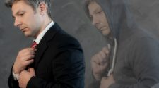Nella foto il cantante Elio Rinella. doppionero