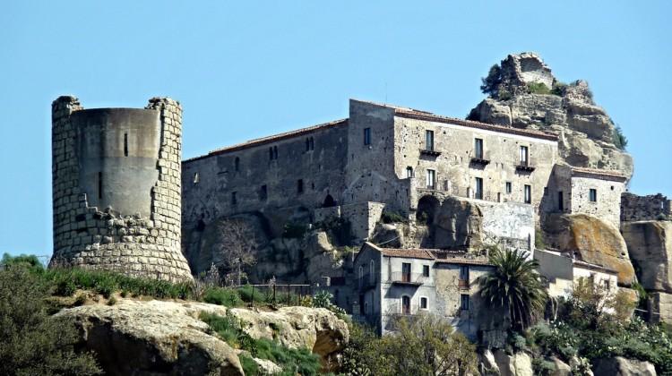 Il castello a Castiglione di Sicilia borgo dei borghi