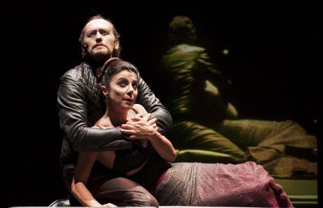 Gaia Aprea e Luca Lazzareschi in Macbeth (foto di Fabio Donato)