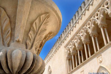 Particolare del castello di Donnafugata. Foto Brunella Bonaccorsi