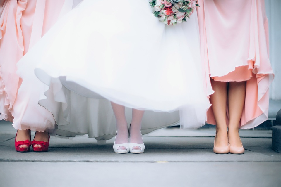 Abiti da cerimonia: cosa indossare ai matrimoni