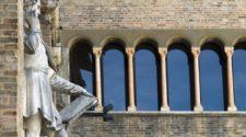 Parma, La statua del Correggio in Piazza Garibaldi